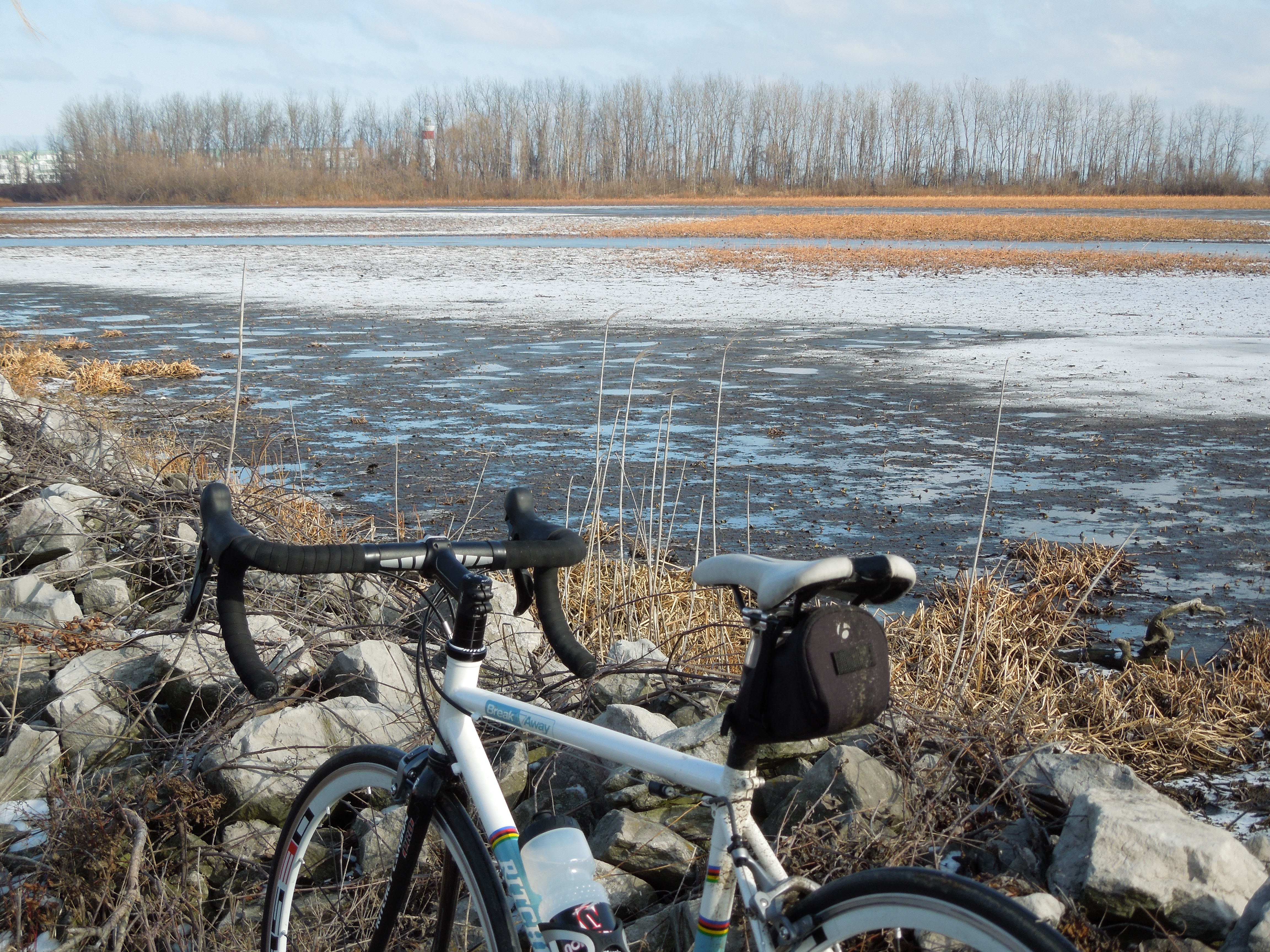 Cycling along Lake Erie in northern Ohio during the winter.